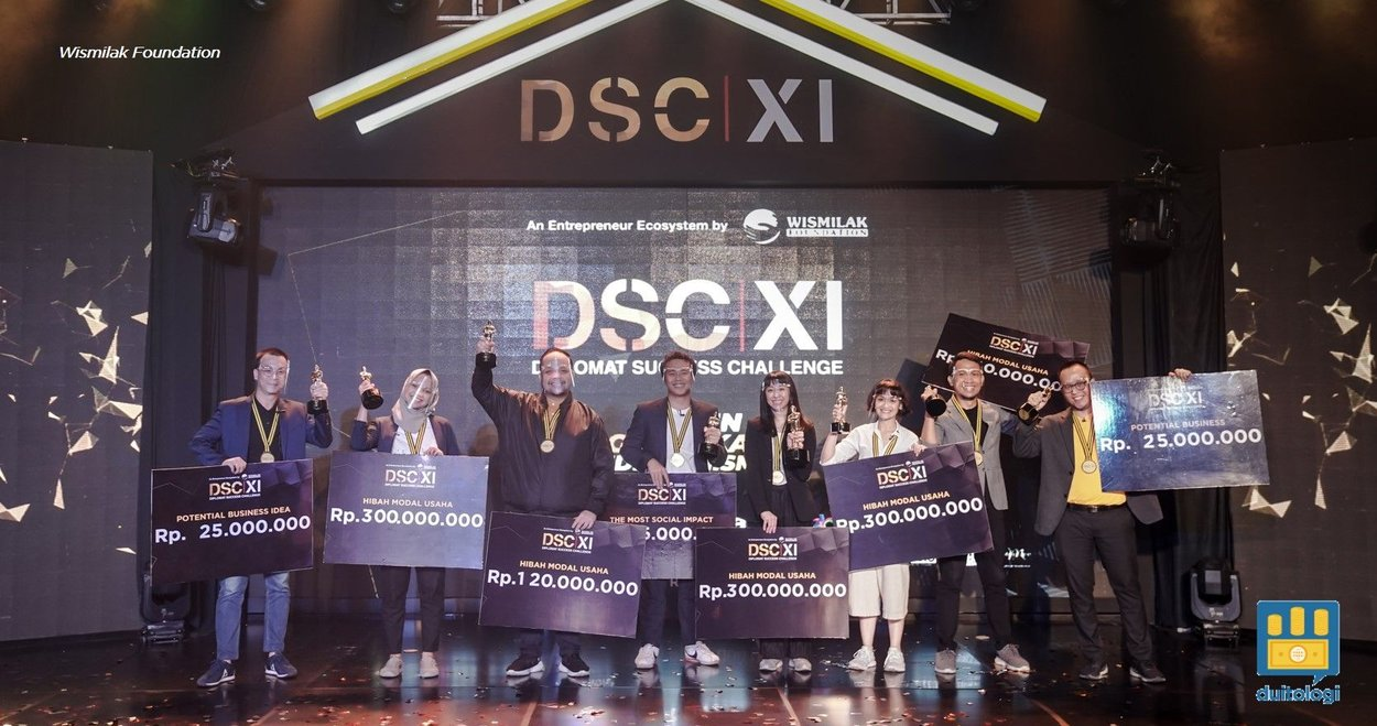 8 grand finalist di Diplomat Success Challenge XI tahun 2020.